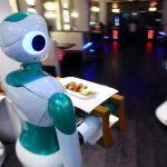 Robot phục vụ nhà hàng đầu tiên ở Nepal đẵ sẵn sàng ra thị trường