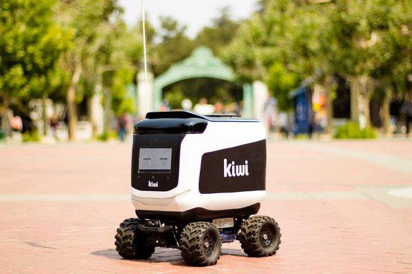 Robot giao hàng